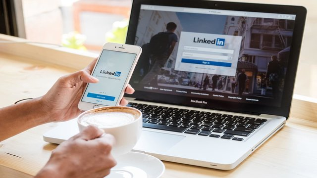 Webinar: 5 LinkedIn Hacks that Reveal where Your Ideal Prospects are Hiding